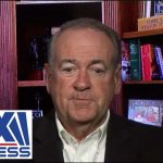 Huckabee: Warren wants government to limit people's paychecks